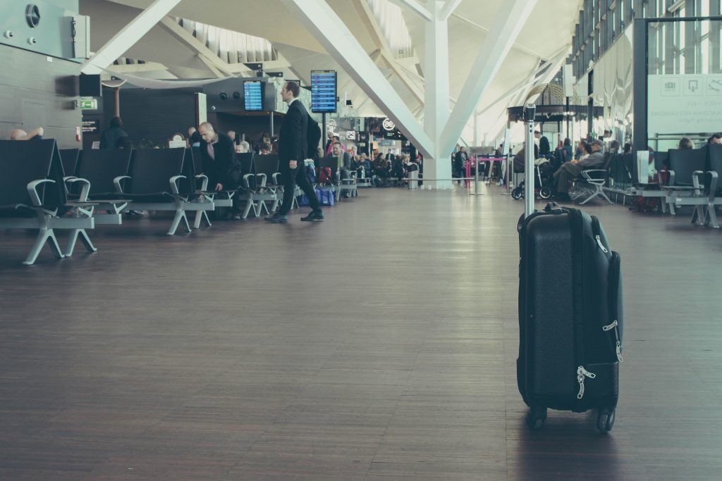 michal parzuchowski xFItahF3CY4 unsplash 1 1024x683 - How Some Budget Airlines Force Customers To Pay up to $800 in Bag Fees At The Last Minute